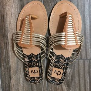Set of 2 women's DV (from target) flip flops. Set